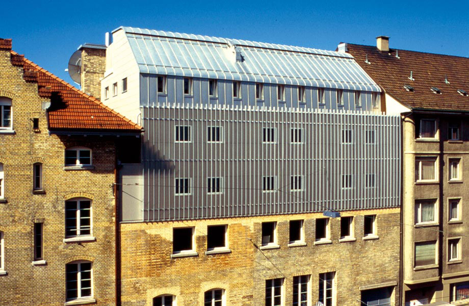 Fassade seitens der Hohlstrasse
